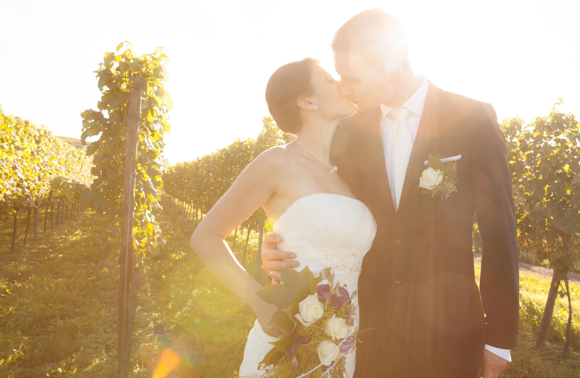 Brautpaar Shooting in den Weinreben bei Burkheim