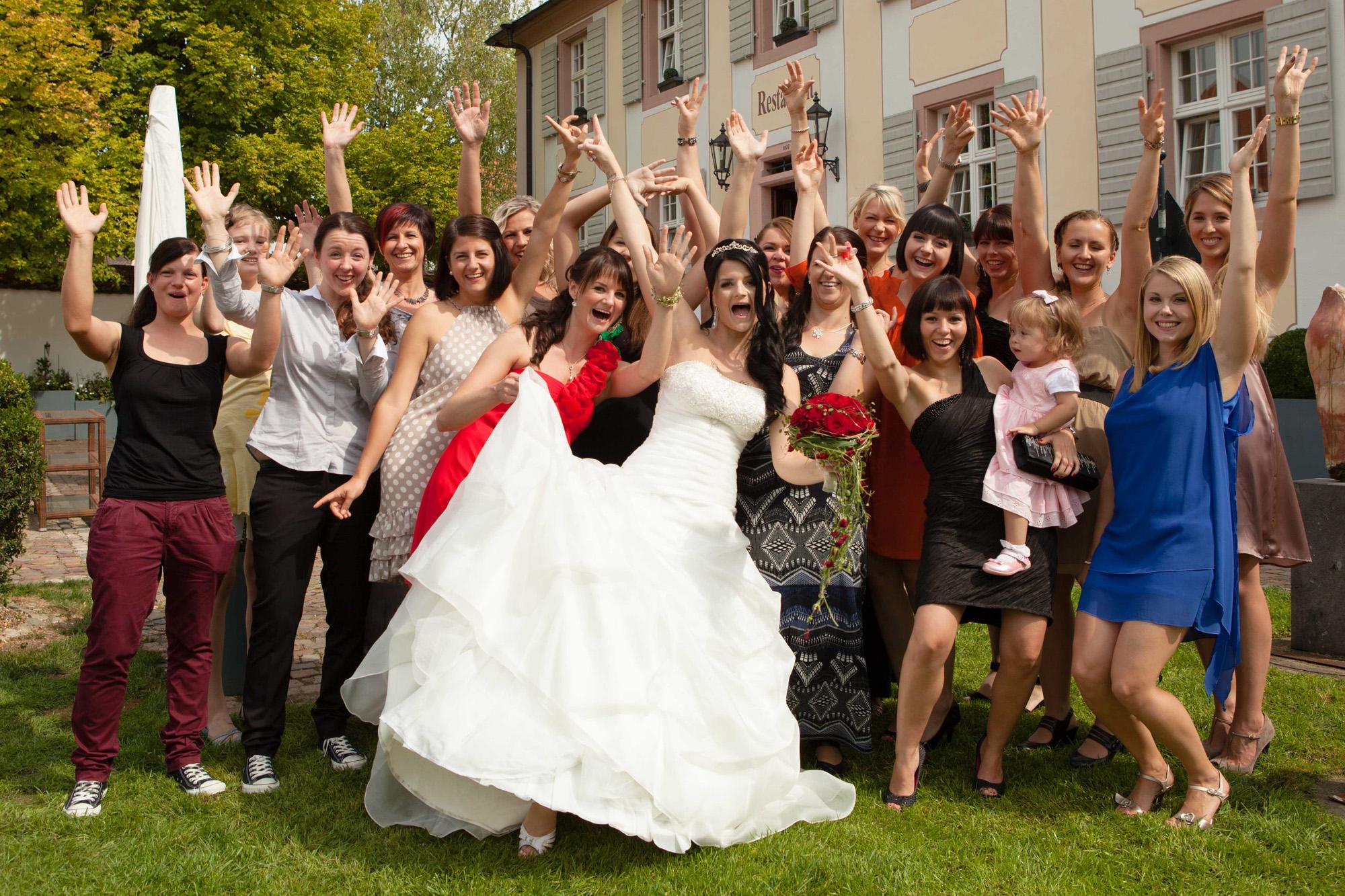 Hochzeitsbild - Alle Frauen