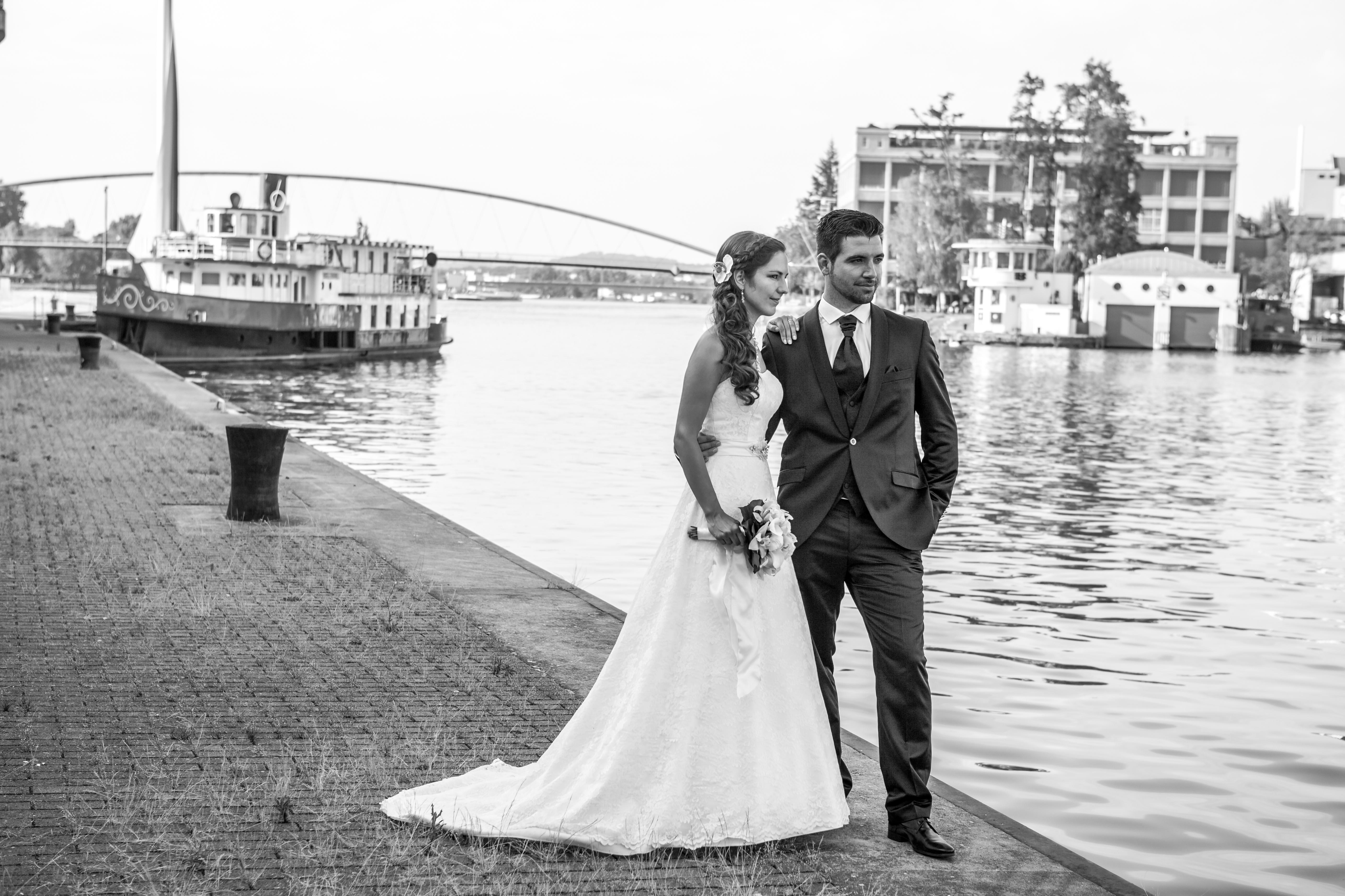 Hochzeitsfotografie in Basel am Wasser